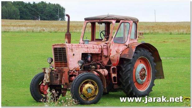 Traktor belorus slika